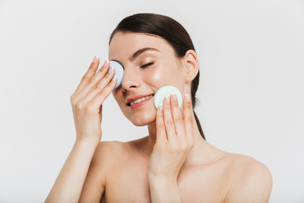 What makes our skin oily