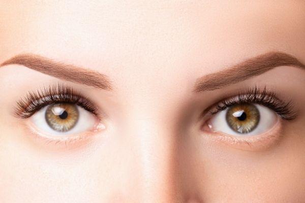 makes eyelashes beautiful