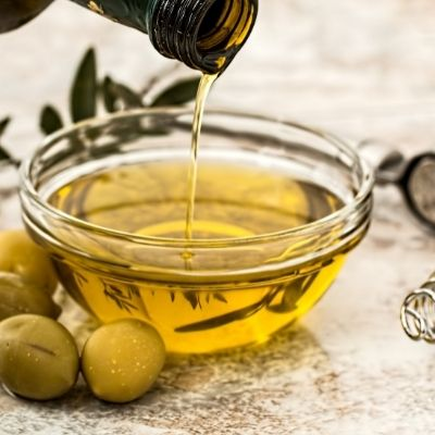 olive oil for growing and protecting eyebrows