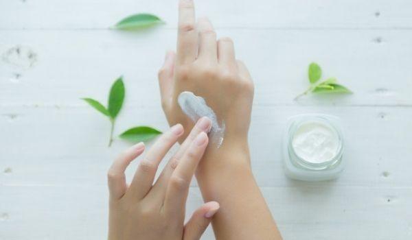 Moisture Your Nails & Hands