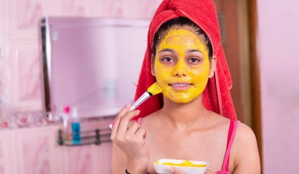 Turmeric & Banana Face Pack For Removing Dark Spots